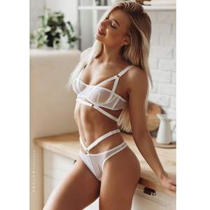 SFY1193 new design lingerie women flower lace sexy lingerie bandage bra panties sets femme erotic lingerie